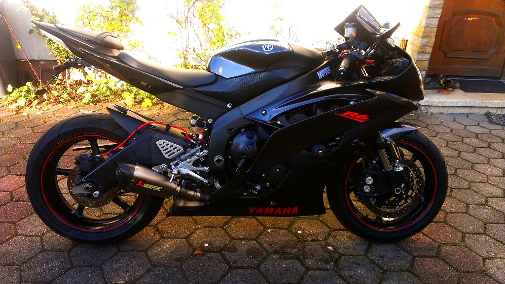 verkaufe yamaha r6 rj15 ez 2010 14 000 km. Black Bedroom Furniture Sets. Home Design Ideas