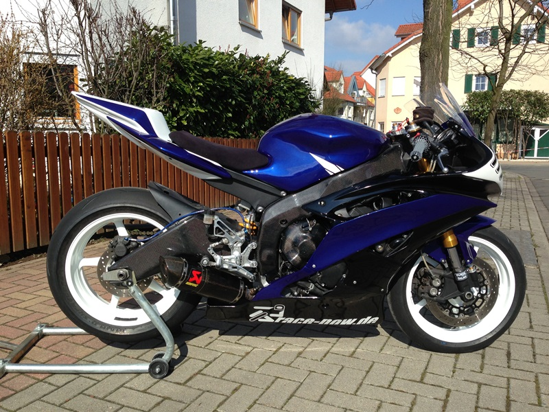 yamaha r6 rj15 rennverkleidung strasse biete. Black Bedroom Furniture Sets. Home Design Ideas