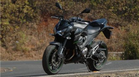 The-Kawaski-Z800-Looks-Wild-Looking-2014-Test-Ride-1-672x372.jpg